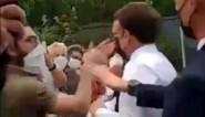 President Emmanuel Macron in het gezicht geslagen door man