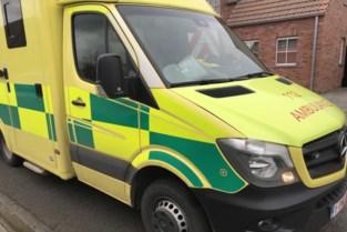 Fietser gewond na aanrijding met bestelwagen