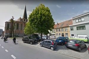 Parkeerplaatsen moeten plaatsmaken voor nieuw parkje achter kerk van Ekkergem
