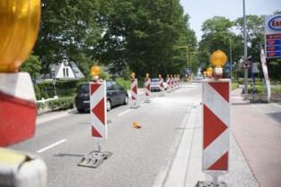 Zinkgat op Mechelsesteenweg zorgt voor stilstaand verkeer