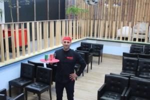 In dit Zonhovens café kan je terrassen in een zwembad