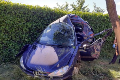 Vlucht voor politiecontrole eindigt met zware crash in Genk