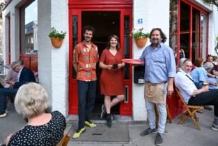 Iconisch café Rood-Wit opent opnieuw de deuren: van biljart tot EK, ballen maar!