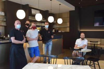 """Na meer dan half jaar wachten kan tearoom Repoos eindelijk open: """"Al van 's ochtends stonden de klanten te wachten"""""""