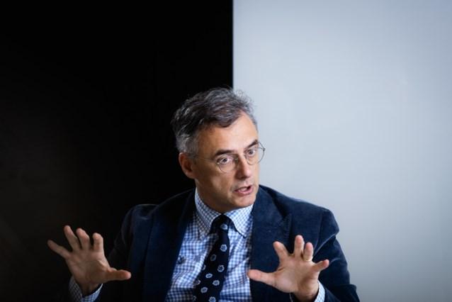 """Joachim Coens uit forse kritiek op Zuhal Demir na PFOS-debacle """"Minister moet echt eens weten wat ze wil"""""""