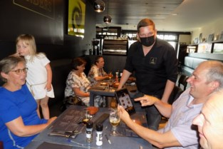 """Restaurant Anders laat klanten bestellen via tablets: """"Alles gaat rechtstreeks naar de bar en de keuken"""""""