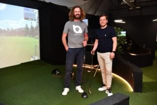 """Bart De Wever slaat drie keer raak in grootste indoorgolfclub van het land: """"We willen golf even toegankelijk maken als bowlen"""""""