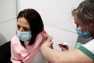 Vaccinatiecentra zoeken vrijwilligers om spuitjes te zetten