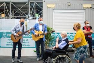 Bezoekers Hasselts vaccinatiecentrum krijgen aangename verrassing