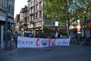 """Ouders protesteren opnieuw voor verkeersveilige straat: """"Op drie jaar tijd nog niets veranderd"""""""