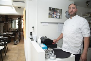 """Chef-kok Jan ziet dief wegfietsen met eerste opbrengst op heropeningsdag: """"Je moet het maar durven"""""""