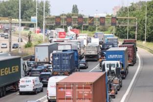 Lange file op Antwerpse Ring door ongeval aan Sportpaleis