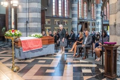 """Pakkend afscheid van Keizer Kamiel: """"Je zal eeuwig in onze harten voortleven"""""""
