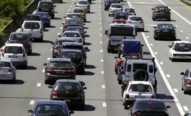 Vier voertuigen betrokken bij ongeval op E40 richting Gent, file van anderhalf uur is het gevolg