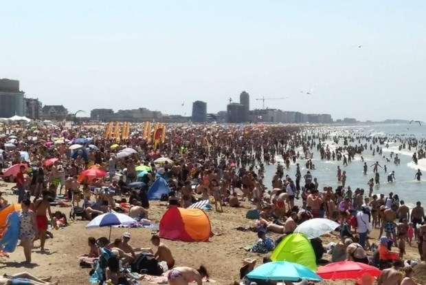 Moet je plek reserveren op strand? En waar moet je mondmasker dragen: hier moet je rekening mee houden als je naar de kust gaat