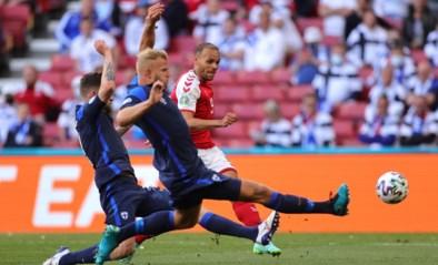 Spelers Denemarken hervatten wedstrijd nadat ze contact hadden met Eriksen op zijn ziekbed