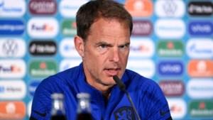 """Onze Oranje-watcher zag een relaxte Frank De Boer: """"Bedankt voor de tips, maar ik blijf bij 3-5-2"""""""