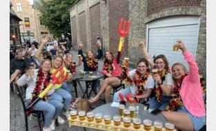 """Zo supporterden we samen voor de eerste EK-match van de Rode Duivels: """"Een succesavond met veel ambiance en veel drank"""""""