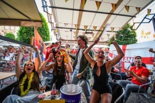 Een droomstart van het EK: Uitgelaten sfeer op volle Oude Markt, maar politie moet amper tussenkomen