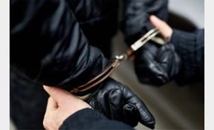 Drugsdealer en trawanten aangehouden en in voorhechtenis geplaatst