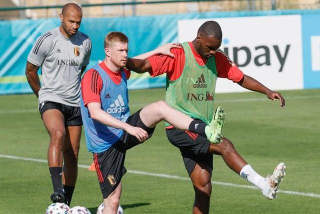 """Hazard, Witsel en De Bruyne trainen met """"invallers"""": """"Kevin ziet er goed uit"""""""