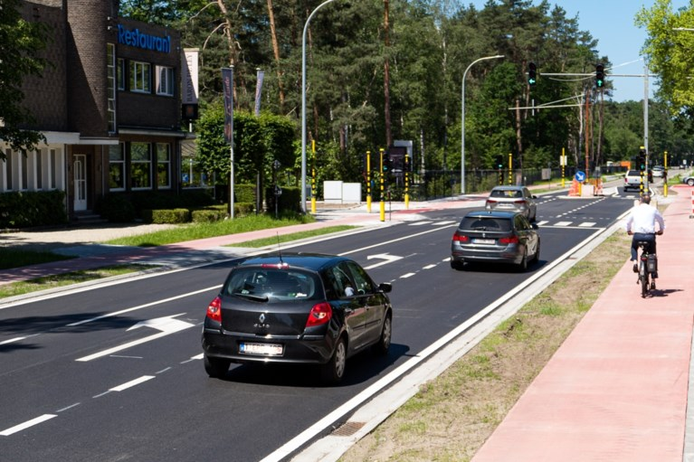 Eindelijk veilig fietsen over Botermelkbaan: twee kilometer lange fietspaden zonder feestgedruis ingereden