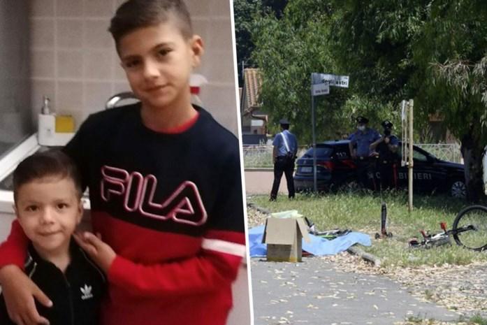 """Spelende broertjes (5 en 10) doodgeschoten in parkje in Italië: """"Hoe kan zo iemand een pistool op zak hebben?"""""""