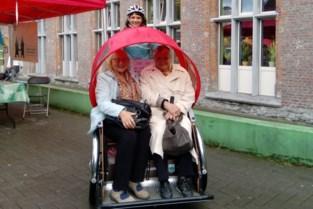 Voor 3 euro naar de winkel en terug: fietstaxi's rijden hele zomer rond in Gent