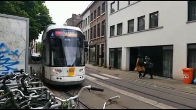 Oplossing in zicht voor luid piepende trams? De Lijn test nieuwe smeermethode voor lijn 1