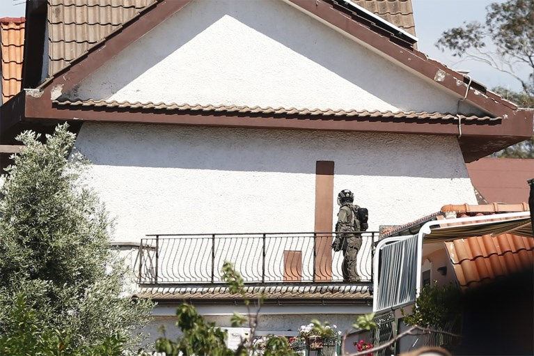 """Man schiet spelende broertjes (5 en 10) neer op straat in Italië: """"Hij had een pistool en werd door niemand gecontroleerd"""""""