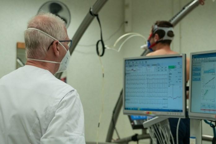 """Inspanningsfysioloog Johan Roeykens krijgt veel telefoontjes na hartstilstand Eriksen: """"Screening is niet altijd beste oplossing"""""""