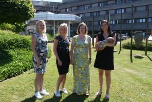 """Dat wordt puzzelen voor de baas, collega's Kathleen, Gaëlle, Elke en Astrid zijn samen zwanger: """"Puur toeval"""""""