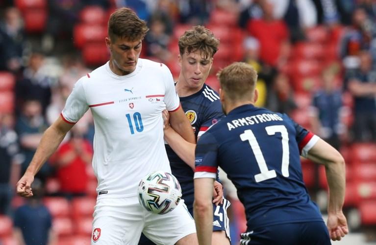 Beresterke Patrik Schick bezorgt Tsjechië de zege tegen Schotland