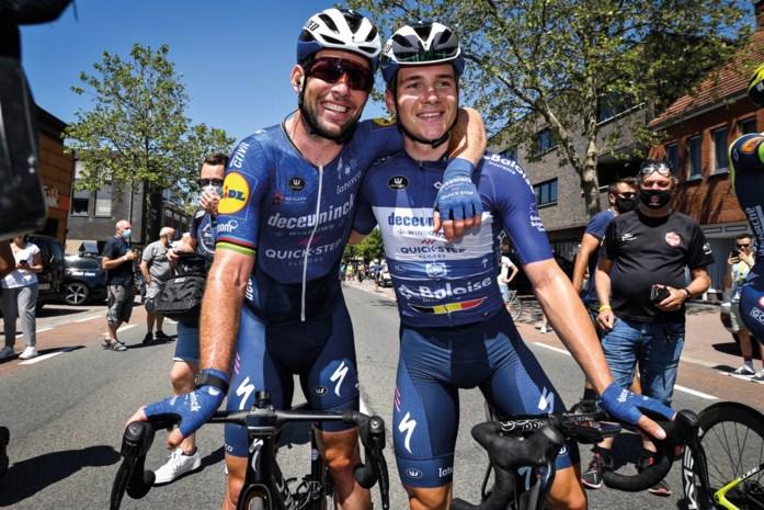 """Mark Cavendish blijft lastige vragen omzeilen: """"Tour de France? Ik moet babysitten op Evenepoel"""""""