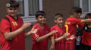 Sociale woonwijk Melkaderlaan in Kallo gebruikt voetbal als 'bindmiddel'