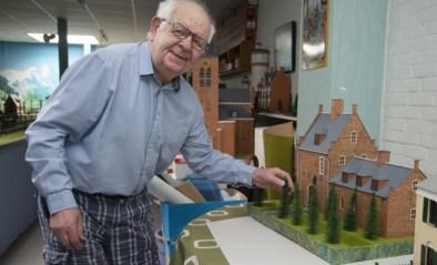 """Theo (89) maakt maquettes van Kempense monumenten: """"Alles gebouwd met kaasdoosjes"""""""