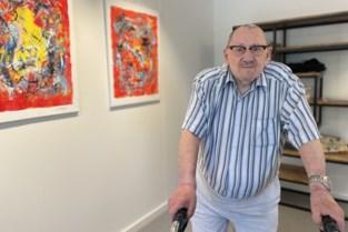 Vzw Kompaan laat kunstenaar en kankeroverlever Egied Steylaerts (88) weer reizen