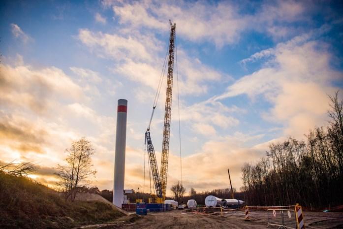 """ArcelorMittal zet subsidievrije windmolens: """"Dit is de weg die we op moeten"""""""