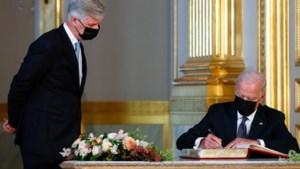 President Joe Biden en koning Filip ontmoeten elkaar in Koninklijk Paleis