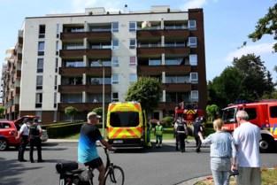 Brand in appartement: bewoner met brandwonden naar ziekenhuis gebracht