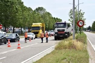 Verkeersproblemen op Hasseltse ring door kapot wegdek