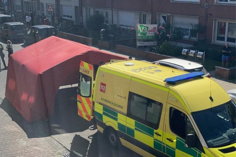 """Man steekt nieuwe vriend van ex-vrouw dood voor ogen van kinderen: """"Hij wandelde rustig weg"""""""