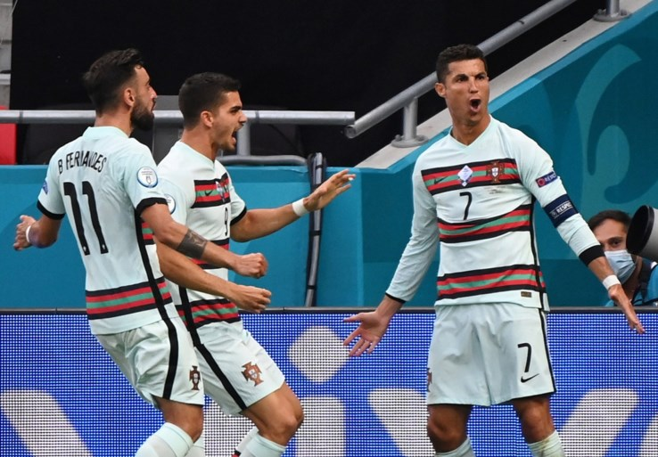 Ronaldo dan toch aan het feest met Portugal na moeizame zege tegen Hongarije, het zwakke broertje in de groep des doods