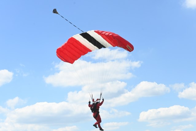 59-jarige man omgekomen bij parachutesprong in Spa: parket opent onderzoek