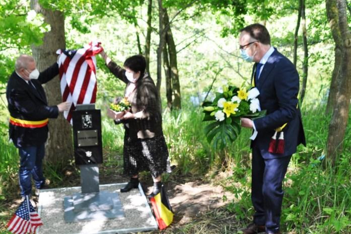 Kunstenaar schenkt oorlogsmonument aan gemeente