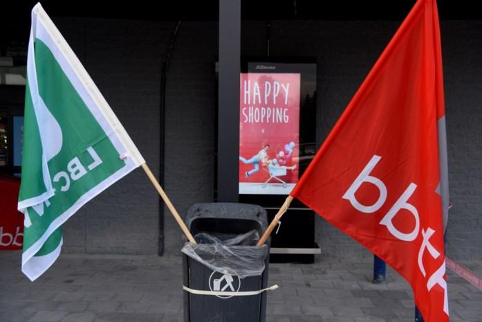 Verkeershinder door syndicale actie bij distributiecentrum van Delhaize