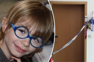 Angelus (8) overleden aan overdosis medicatie: mama blijft langer in de cel