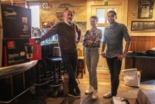 Legendarisch café Jazzoet houdt totale uitverkoop
