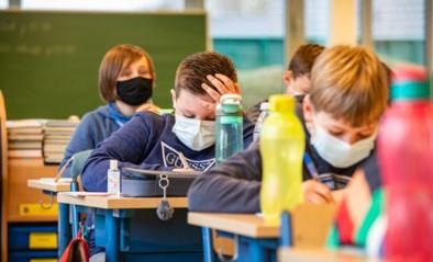 """Te warm voor mondmaskers, dus laat school leerlingen thuis: """"We zorgen graag goed voor onze kinderen"""""""