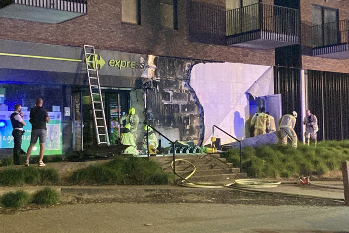 Handvol appartementen ontruimd na zware keukenbrand boven supermarkt